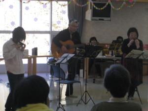 ギターの伴奏でオカリナの音色が更に美しくなりました
